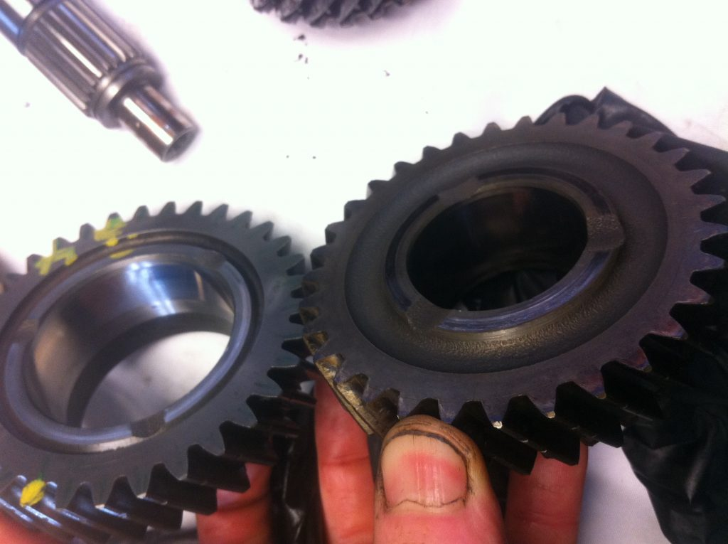 vw t3 syncro gearbox destruction lack of oil damage 3rd 4th gear bearing surface